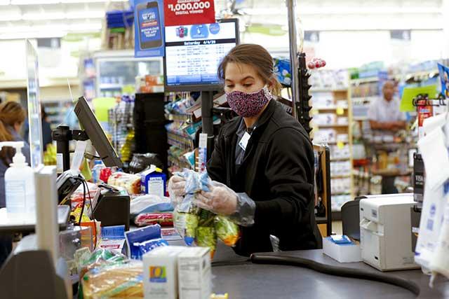 Uso de Máscaras no Supermercado